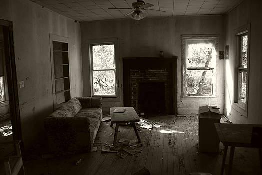 Nina Fosdick - The emptiness inside