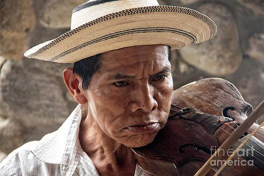 Bob Hislop - The Fiddler of El Valle