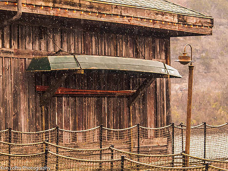 The  fishing shack by Kim Loftis