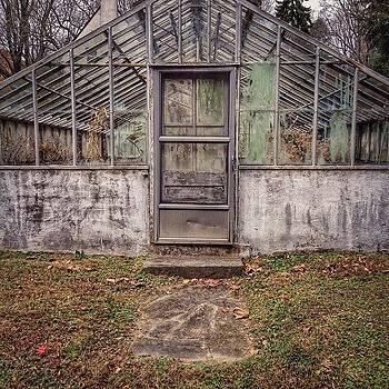 The Greenhouse 👍 by Stephanie Tomlinson