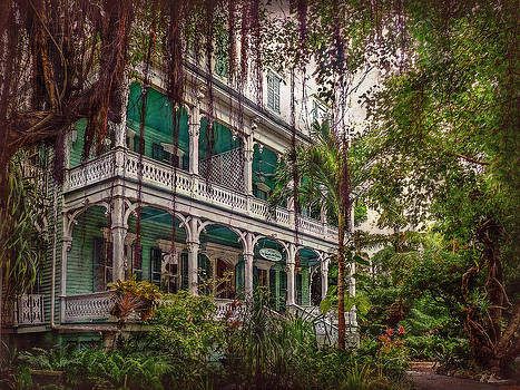 The Haunted Mansion  by Hanny Heim