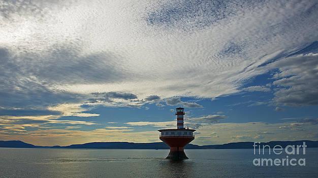 Nina Stavlund - The Haut Fond Prince Lighthouse...