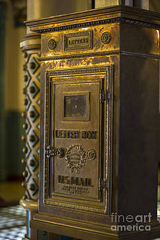 Debra K Roberts - The Letterbox