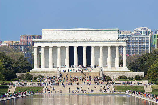 The Lincoln Memorial by Derek Reichert