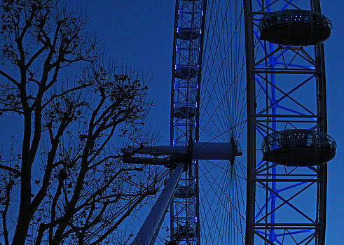 The London Eye by Ed Pettitt