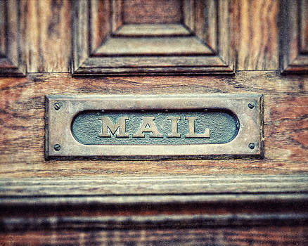 Lisa Russo - The Mail