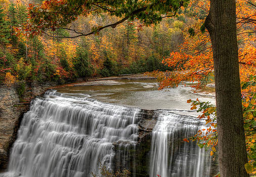 The Middle Falls by Terry Cervi