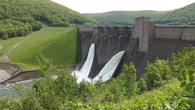 The Mighty Kinzua Dam by Michael Sokalski