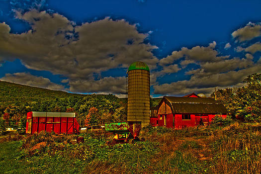 Tom Kelly - The Old Barn