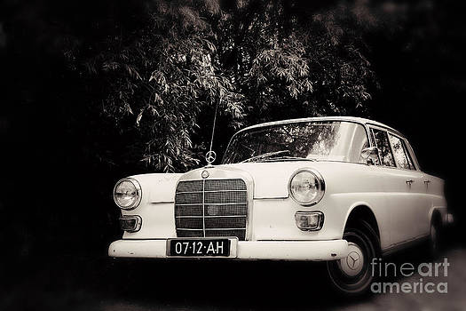 LHJB Photography - The Old Benz