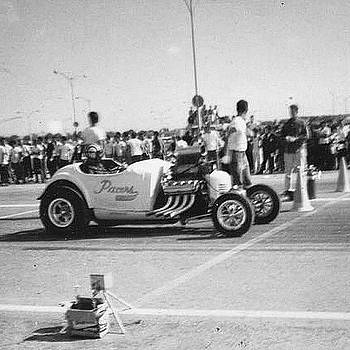 The Pacers At Roosevelt Field Raceway by Scott Snizek