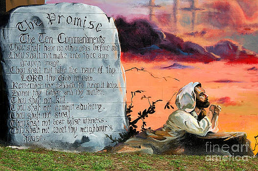 Linda Rae Cuthbertson - The Promise - The Ten Commandments
