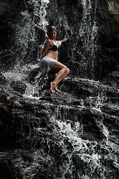 Jenny Rainbow - The Queen of Waterfalls. Eureka Waterfalls. Mauritius
