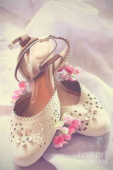LHJB Photography - The shoes of a woman