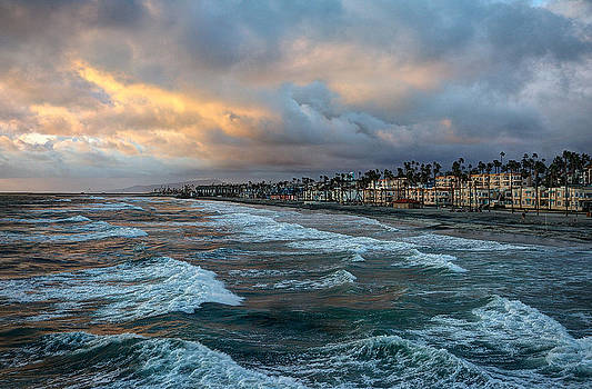 The Storm Clouds Roll In by Ann Patterson
