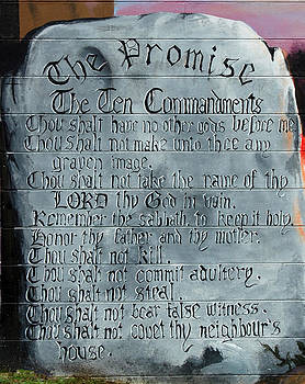 Linda Rae Cuthbertson - The Ten Commandments