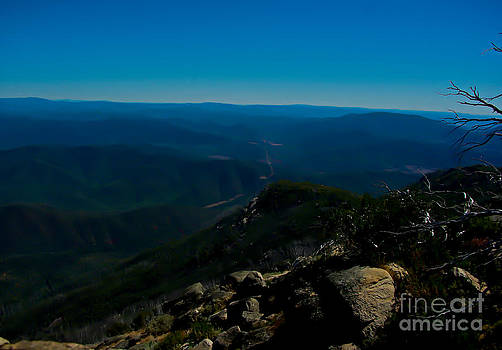 The view from the Summit of Mount Buffalo by Blair Stuart