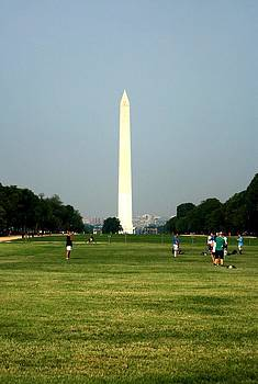 The Washington Monument by Jeanette Rode Dybdahl