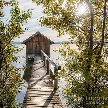 Hannes Cmarits - The waterhouse in fall