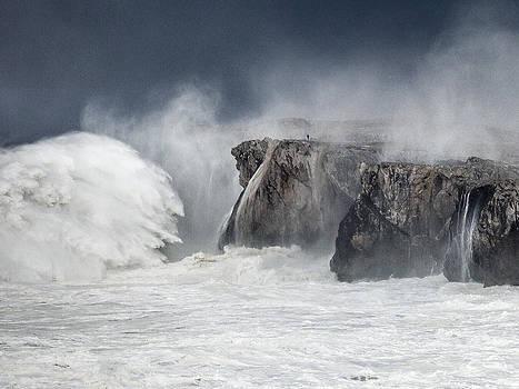 The Wave by Bruno Fernandez Fernandez