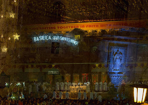 Paul W Sharpe Aka Wizard of Wonders - This is the Philippines No.58 - Mass at Basilica del Santo Nino