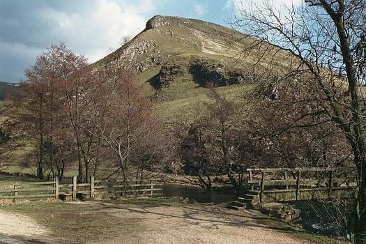 Thorpe Cloud at Dovedale in the Peak District by Geoff Cooper
