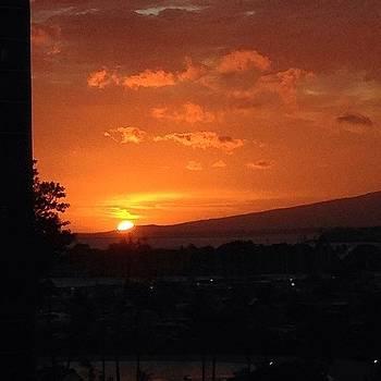 Hawaiian Sunsets by Dan Mason