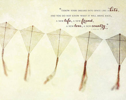 Lisa Russo - Throw your Dreams like a Kite