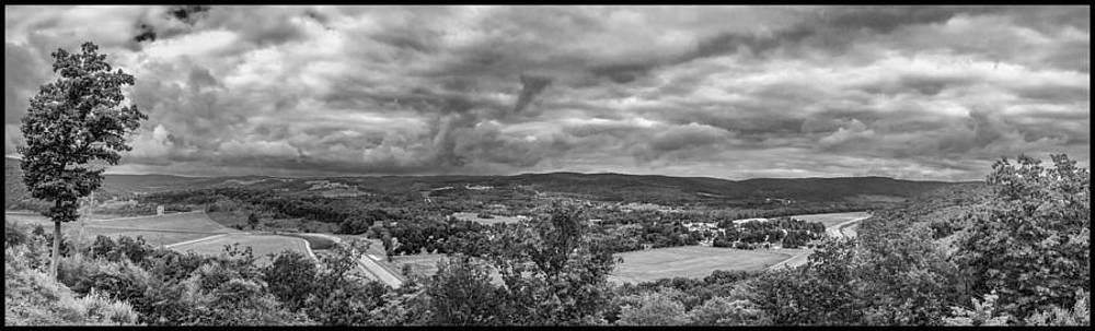 Tioga Overlook on US15 by Guy Whiteley