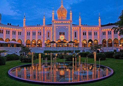 Dennis Cox - Tivoli palace
