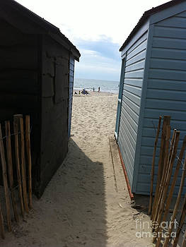 To The Beach by Michelle Deyna-Hayward
