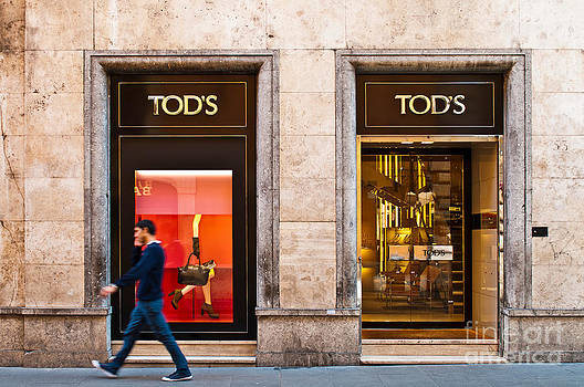 Tod's store by Luis Alvarenga