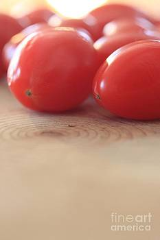 Tomatoes 2 by AR Annahita