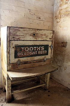 Tooth's Draught Beer by Ian  Ramsay