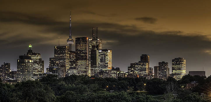Toronto  by Paul Pascal