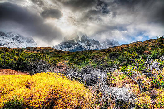 Torres del Paine Peaks by Roman St