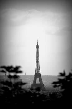 Tour Eiffel Bw by Riad Belhimer