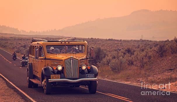 Edward Fielding - Touring Yellowstone