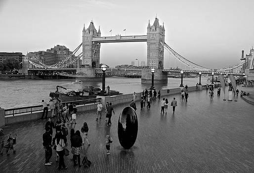 Venetia Featherstone-Witty - Tower Bridge C1886
