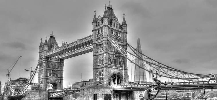 Tower Bridge London by Martin Hristov