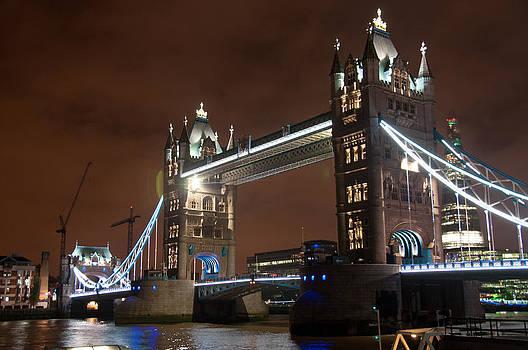 Tower Bridge by Tanis Crooks