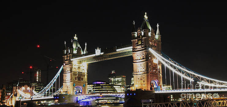 Tower Bridge by Tom Hard