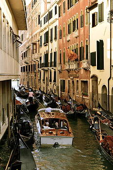 Traffic in Venice by Gerald Hiam