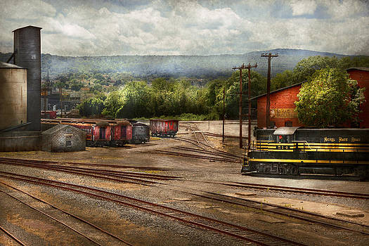 Mike Savad - Train - The train graveyard