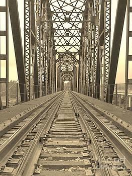 LNE KIRKES - TRAIN TRESTLE