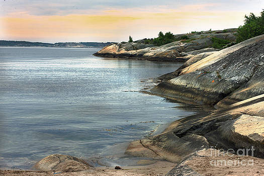 Tranquil coastline by Sanjay Deva