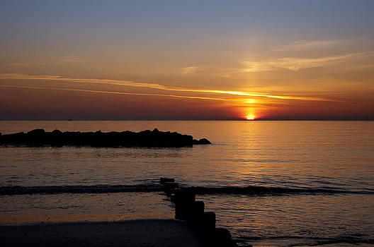 Tranquil Sunrise by Iain Moffat