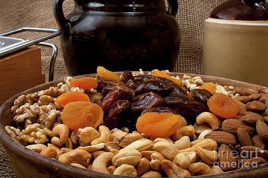 Gunter Nezhoda - Tray with Nuts