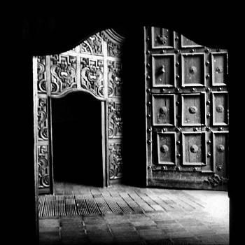 Tres #puertas En Una by Katalina Fuentes
