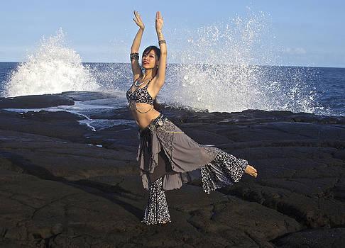 Venetia Featherstone-Witty - Tribal Belly Dancer